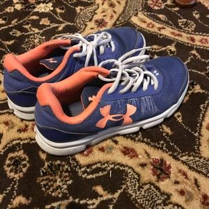 Under Armour girls sneakers size 5Y